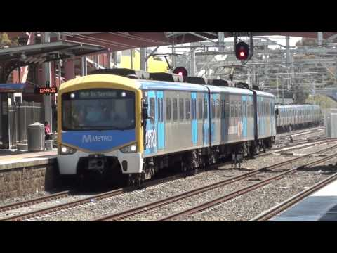 Metro & Vline trains at Sunbury - Melbourne Transport