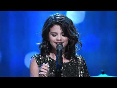 [HD] Selena Gomez - A Year Without Rain (Live At Regis & Kelly 12/01/2010)