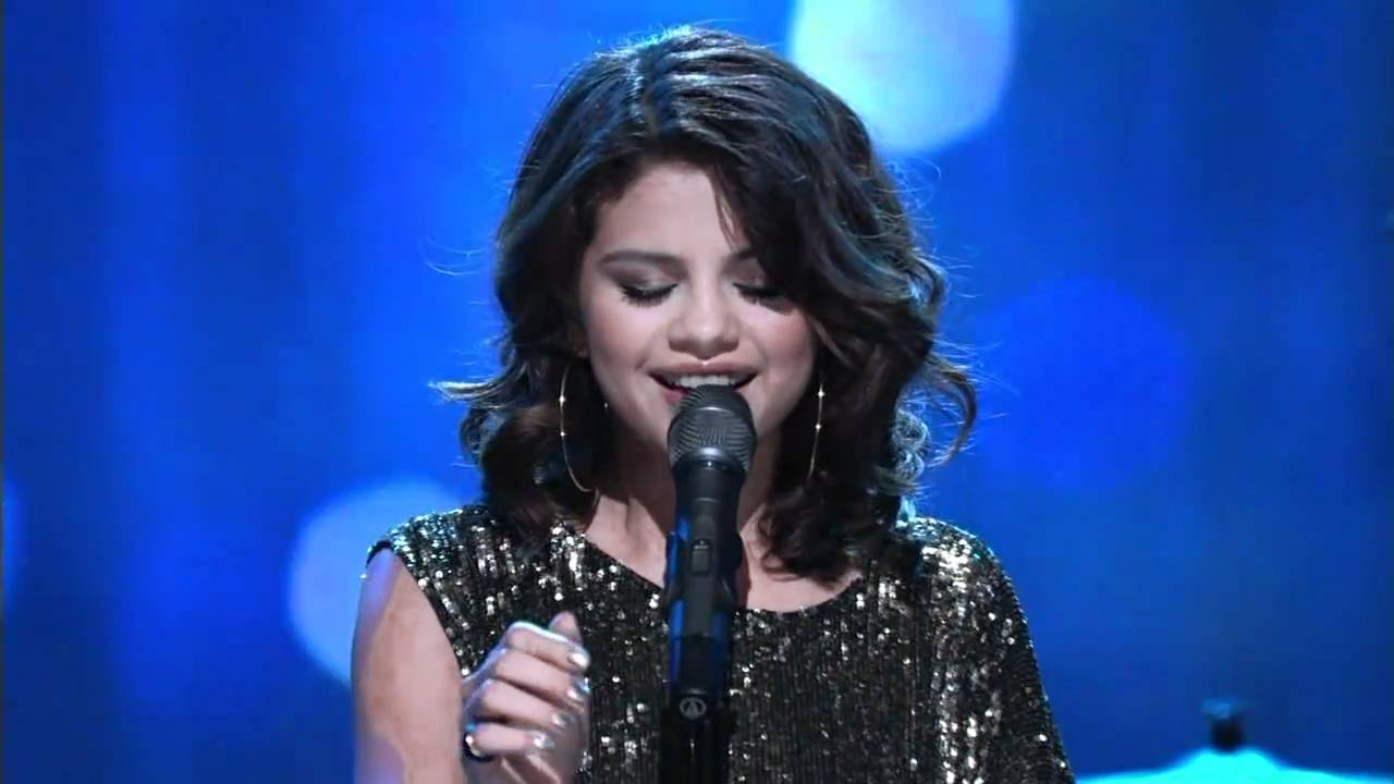 hd] selena gomez - a year without rain (live at regis & kelly 12/01