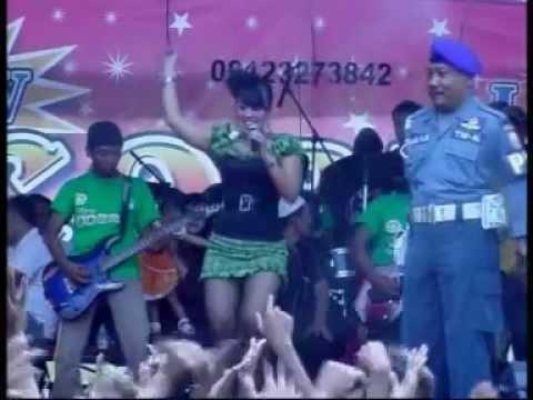 Dangdut New Cobra 2012 - Bangku Tua jadi saksi