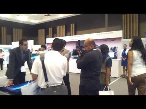 Tour Por el Showroom en el Samsung Forum 2012
