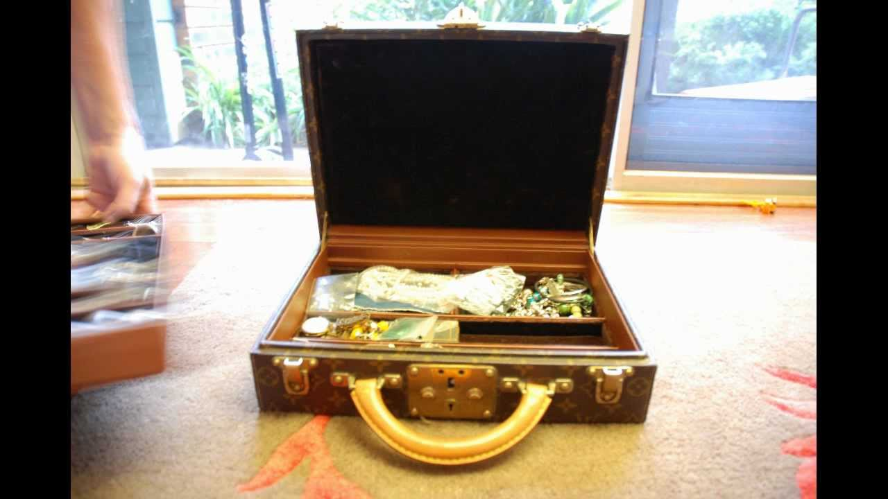 Louis Vuitton Jewellery Case HardSided Briefcase with Rich Ladies