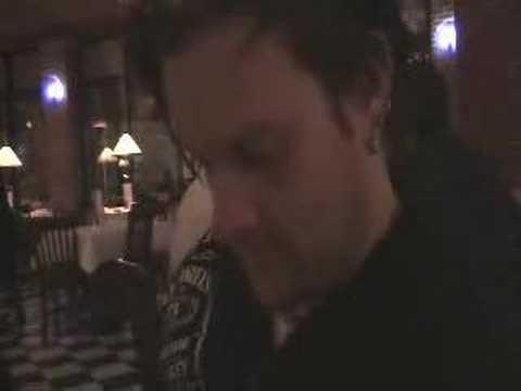 Jaret Reddick Does Karaoke