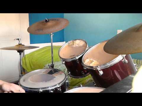 Drums Nikolas: Dimitris Kokotas ........ Giati me tiranas.