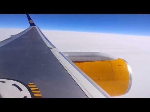 Icelandair Boeing 757-200 flying Keflavik KEF- Toronto YYZ