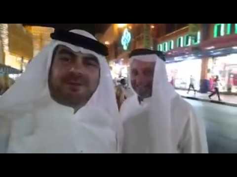 מה עשה נשיא 'איחוד הצלה' אלי ביר לבוש כשייח' ערבי בדובאי?