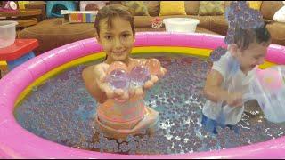 Orbeez havuzunda yüzdük    Elif ile Eğlenceli Video #EvdeKal #SendeOyna #SendeYap