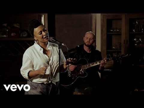 Emeli Sandé - Starlight | Sofar London, GIVE A HOME 2017