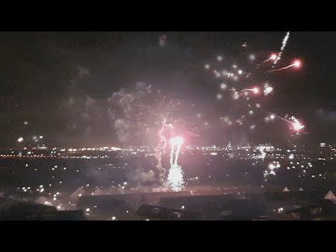 Oud & Nieuw 2017/2018 - Vuurwerk Hoek van Holland - 23:55 - 00:20
