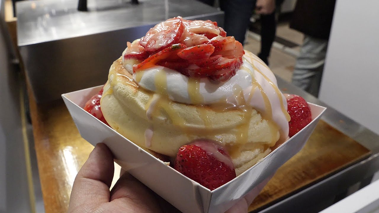 딸기 가득 수플레 팬케익 / strawberry souffle pancakes / taiwanese ...