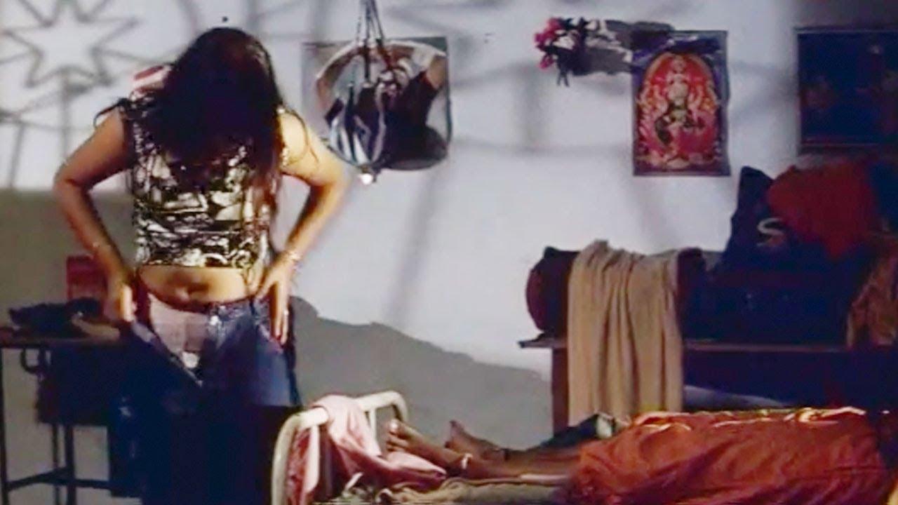 Dress Change In Girls Hostel Latest Tamil Movie Scenes
