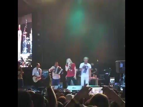 Video del Grupo Mana & Carlos Vives cantando Vallenato en festival vallenato