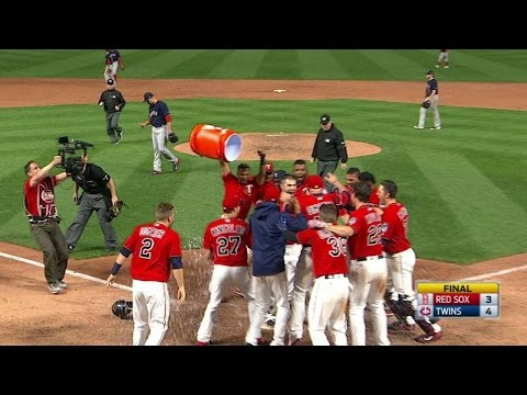 Mauer belts walk-off homer into the bullpen