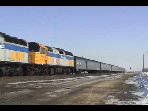 VIA 693 (Hudson Bay) in Winnipeg 2010/03/02