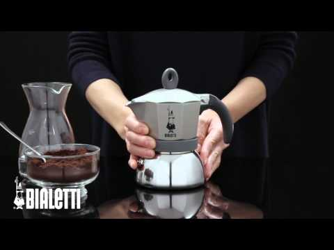 bialetti cafeti re moka induction youtube. Black Bedroom Furniture Sets. Home Design Ideas