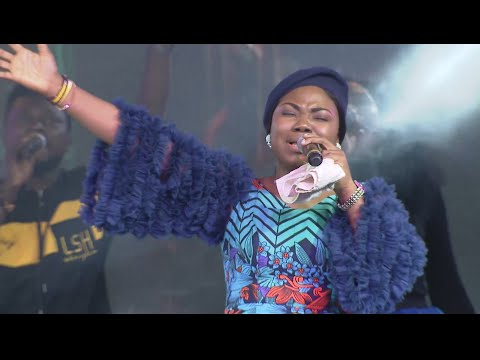 Mercy Chinwo with her Angelic voice. This is thrilling. Feels like Heaven already!!! A must watch!!!