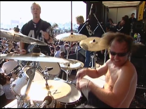 Metallica feat. Bob Rock - Live at Oakland Raiders Parking Lot (2003) [Full Pro-Shot]