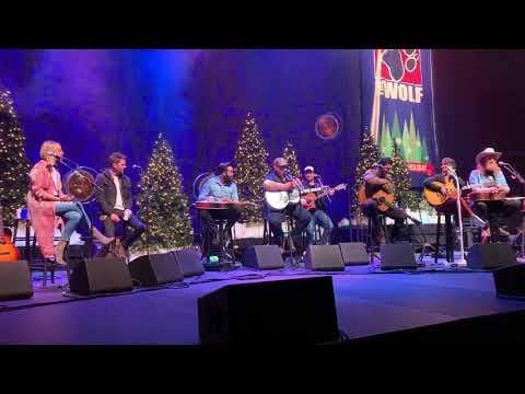 Luke Combs Beer Never Broke My Heart 100.7 Hometown Holiday Concert