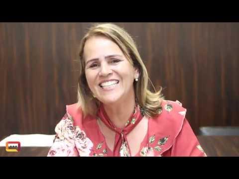 Prefeita de Santana do Paraíso revela como está driblando a crise financeira do Município
