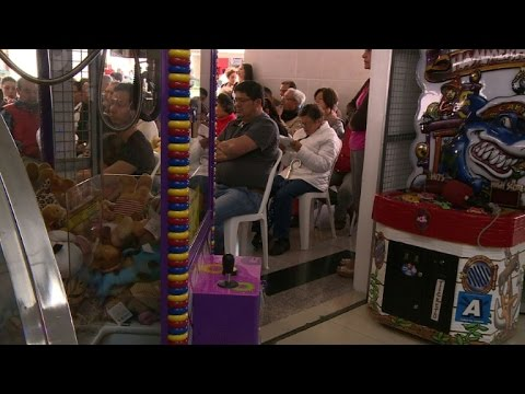 Catholic church holds mass in Colombia malls
