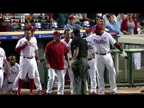 NYM@PHI: Bowa gets tossed as benches clear