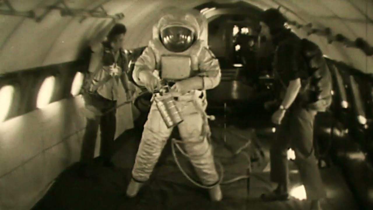 Испытания первых скафандров (для Луны)