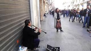 مواهب تولد في الشارع ، عزف ب #كلارينات #تقسيم شارع الاستقلال تركيا
