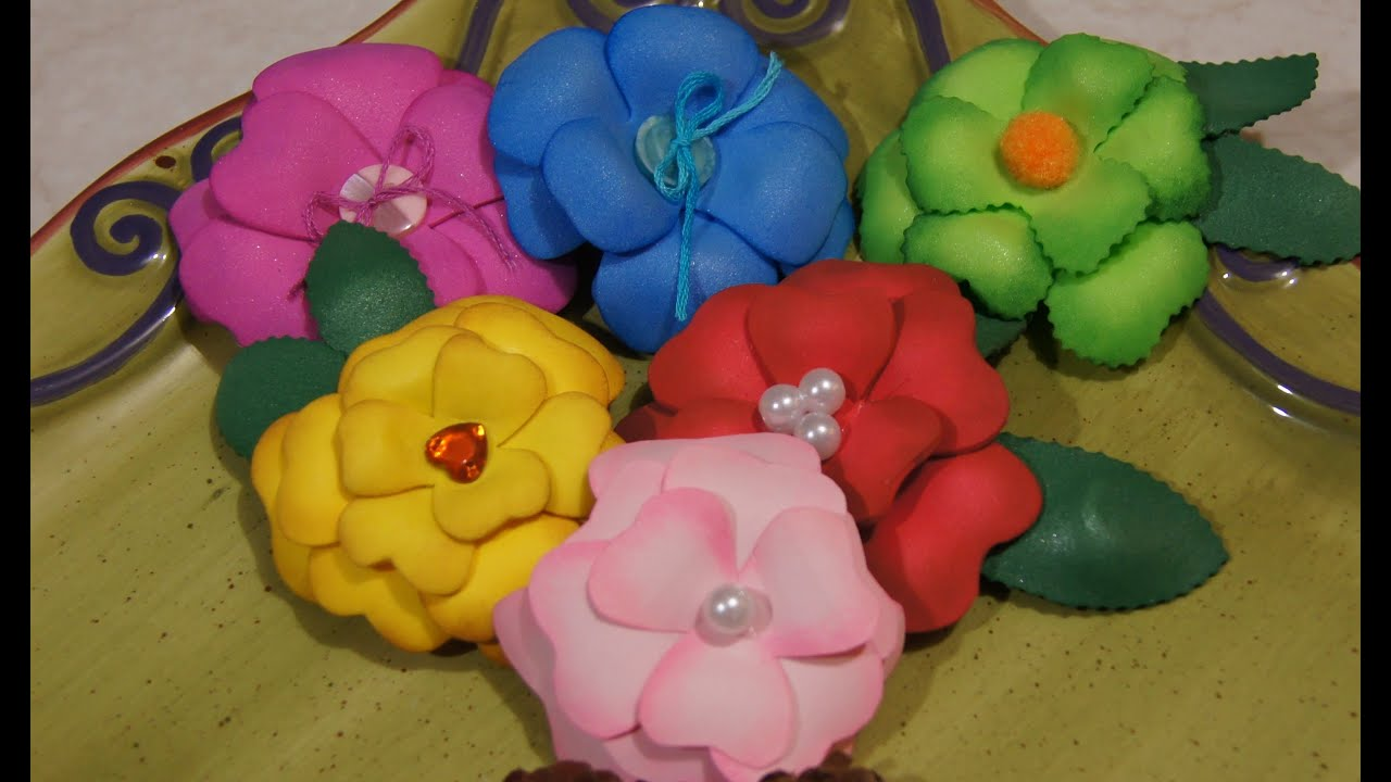 Como hacer flores de cartulina foamy y papel manualidades - Manualidades en papel ...