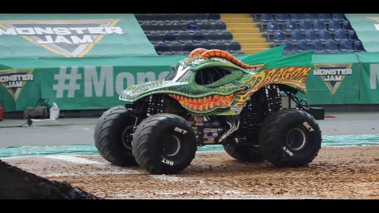 Awesome Two Wheel Monster Truck Skills Dragon Monster Jam Youtube