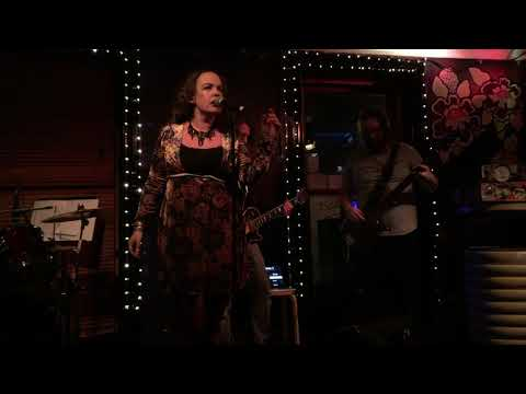 Zeroes and Ones - Verity White Live in Cardiff (1/3)