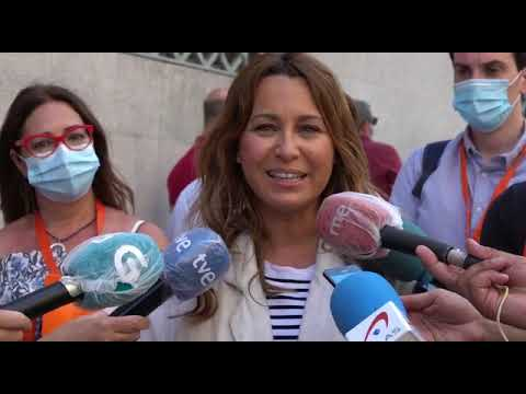 Beatriz pino, candidata de Ciudadanos vota en la Casa das Artes