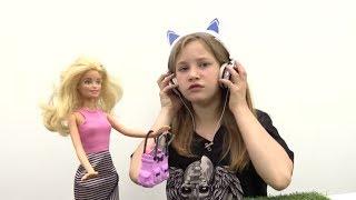 Игры с куклами Барби. Патриция снова против Барби
