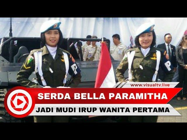 Serda Bella, Kowad Cantik Sopir Jokowi Saat Inspeksi Pasukan HUT TNI
