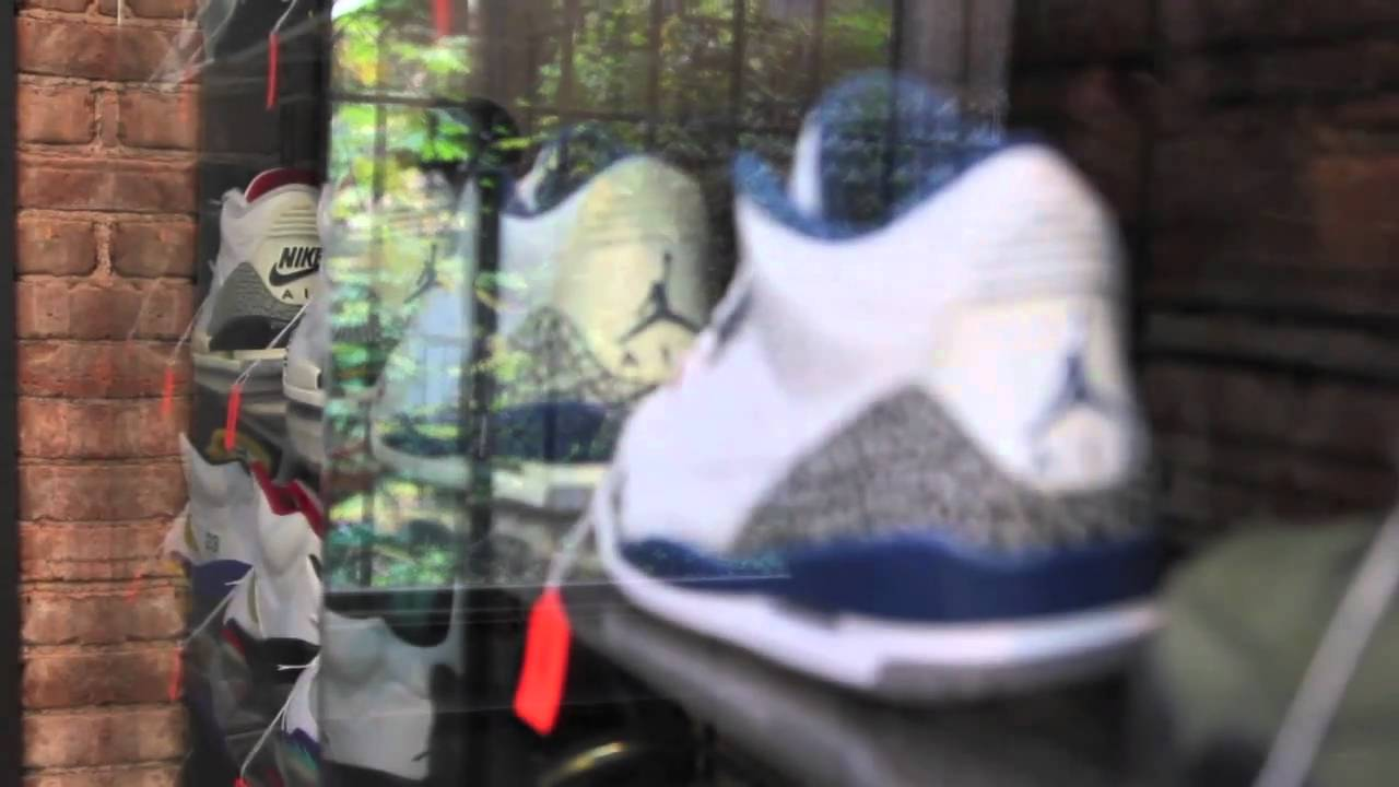 3dd1bf88b Flight Club New York 812 Broadway Sneaker Consignmet - YouTube