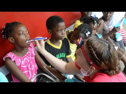 Jamaica Medical Trip-Teeth Brushing lessons
