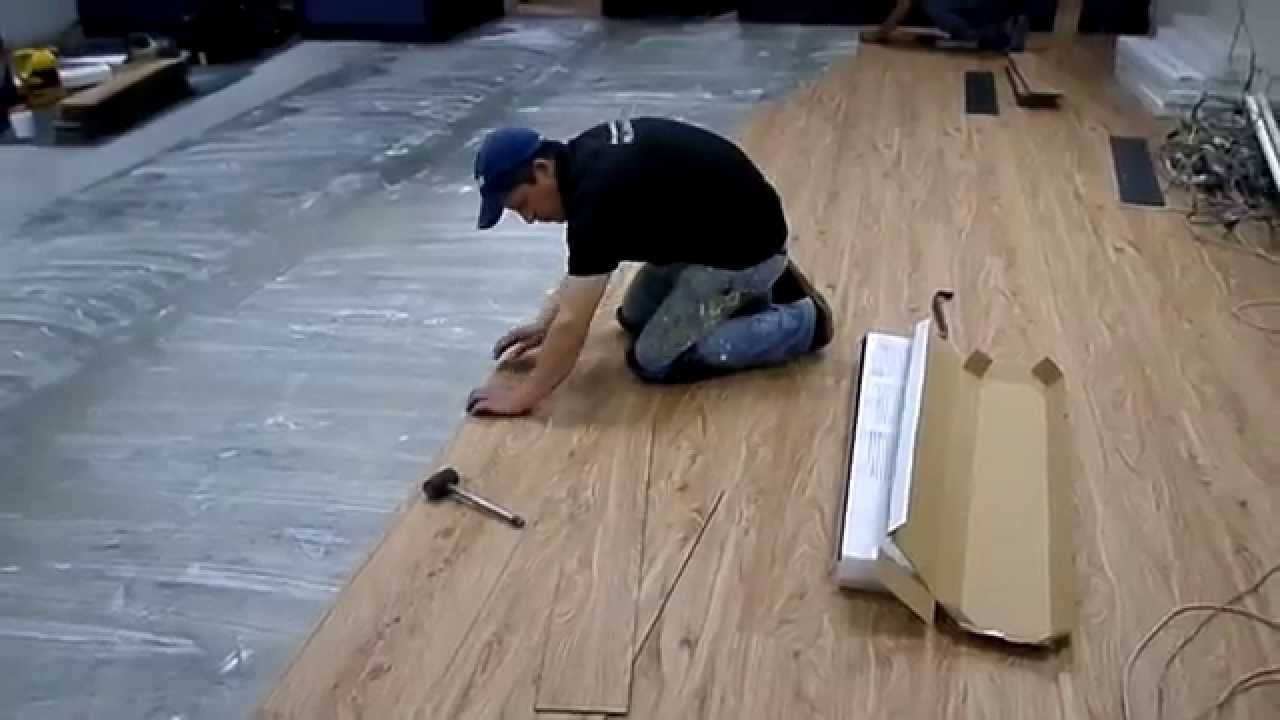 Instalaci n piso vinilo pvc youtube - Instalacion piso vinilico en rollo ...
