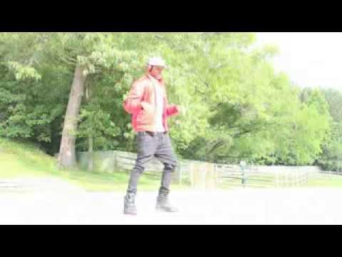 Slow motion robot dance