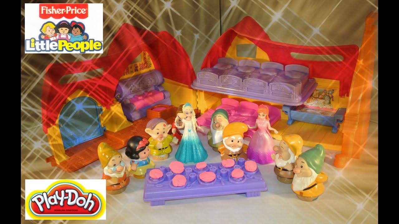 Disney Princess Snow White Cottage with Frozen Anna and Elsa