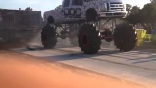 Dump truck vs DDC truck truck pull