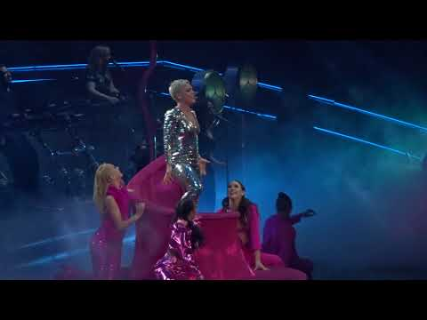 P!nk - Beautiful Trauma (Live Dallas, TX At American Airlines Center May 2, 2018)