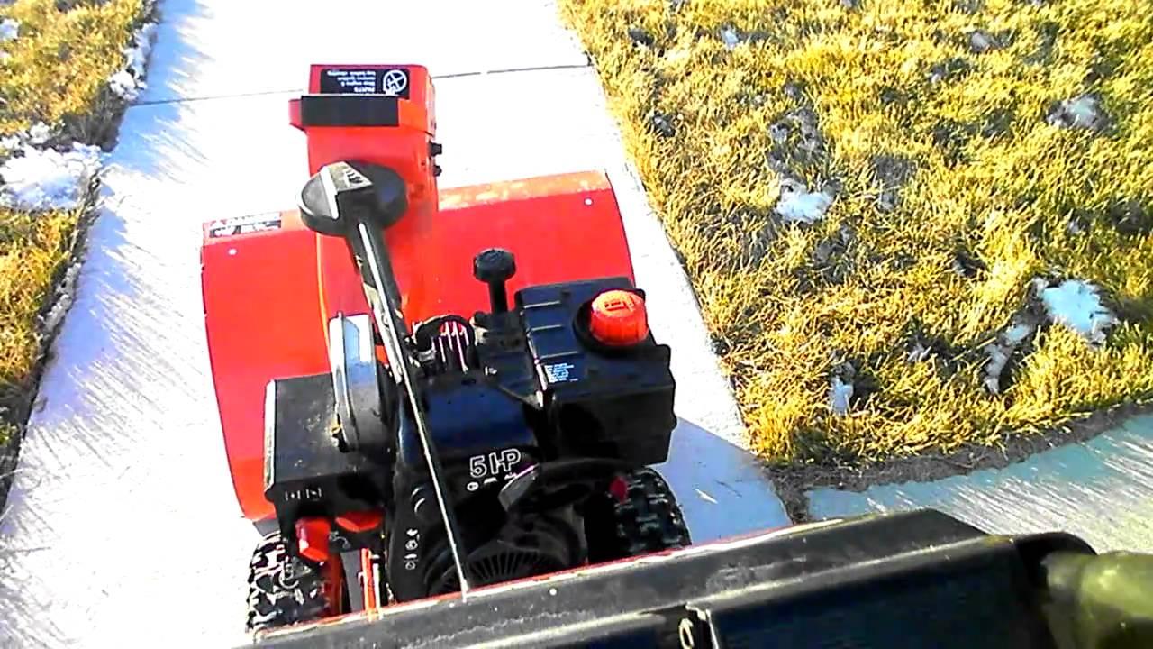 ariens 524 snowblower w tecumseh engine youtube rh youtube com ariens 624 snowblower manual Ariens Sno-Thro Model 932036