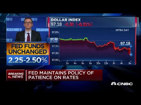 Markets are expecting Fed to cut rates by end of year, says former Fed governor