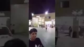 شاهد.. شاب يمني يعيد 150 ألف ريال إلى مواطنٍ سعودي