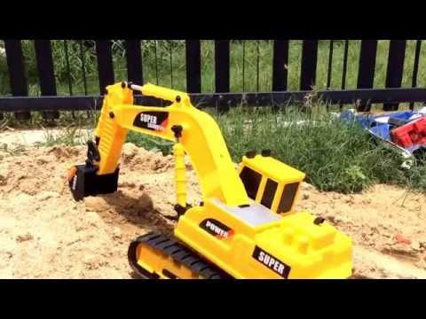 Digger in Action! Excavator RC รถแมคโคร รถแม็คโครบังคับ รถตักดิน ตักได้จริง