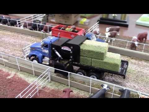 2013 National Farm Toy Show Display Contest 1/64 Scale Winner Chris Steeb