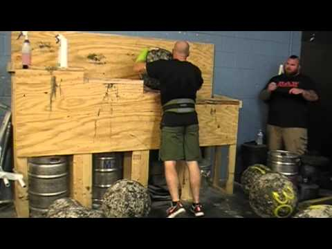 Some friends of mine competing in the Raw Strongman Challenege 2015