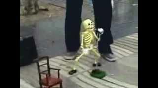 Dia de Los Muertos ( Ola, Ole ) Halloween Skeleton Puppet Dance