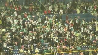ヤクルトスワローズ ラッキーセブン 東京音頭です。阪神ファンも曲に合...