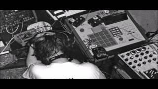 AFX (Aphex Twin) - 17 Kids Beach