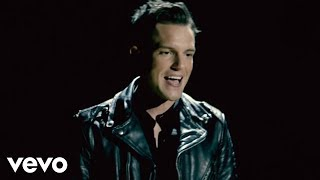 Watch Killers Runaways video
